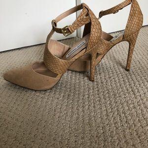 Steve Madden snake print tan heels